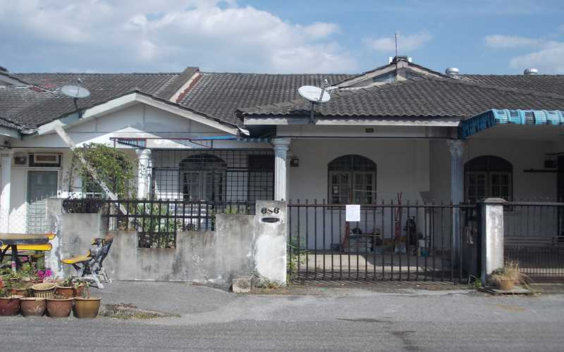 Auction single storey terrace house intermediate unit for Terrace 48 alor setar